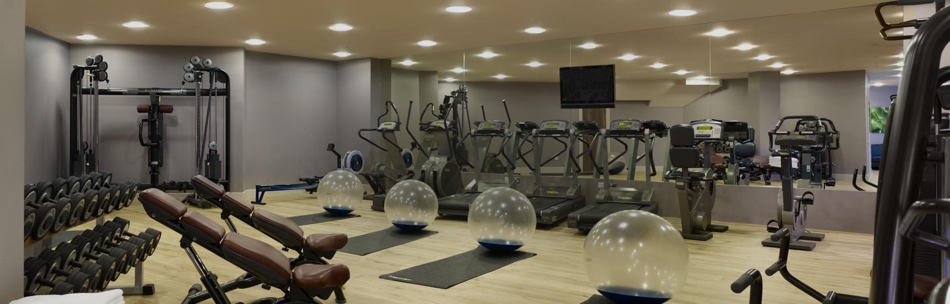 hotel fitness center near nyc